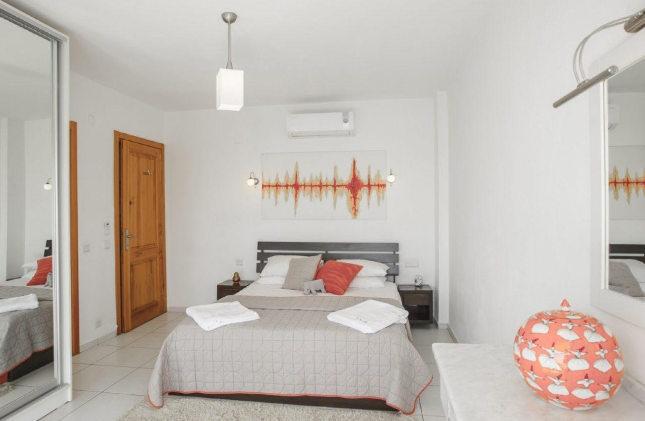 Beyaz-Ay-Villa-Daylight-70-1180x600