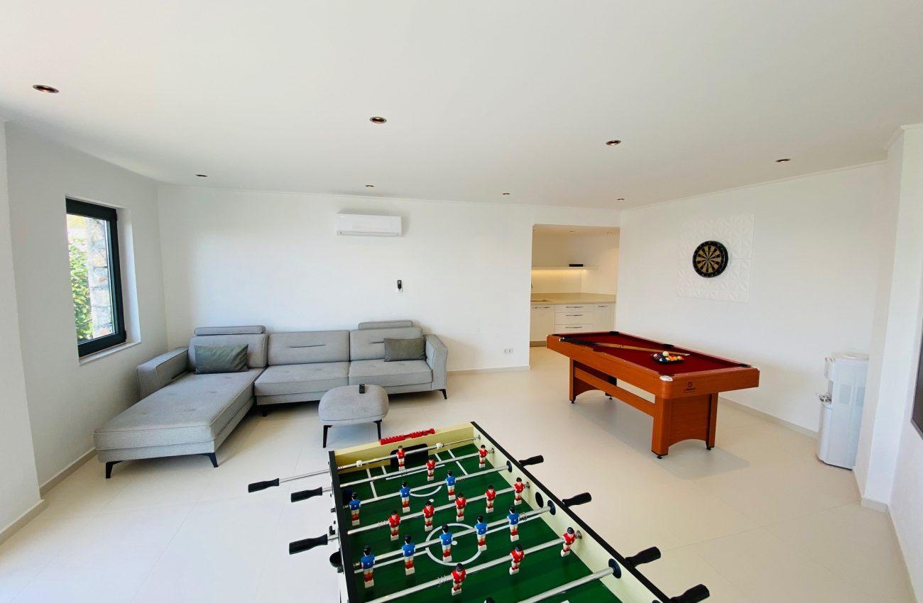Manzil games room 1